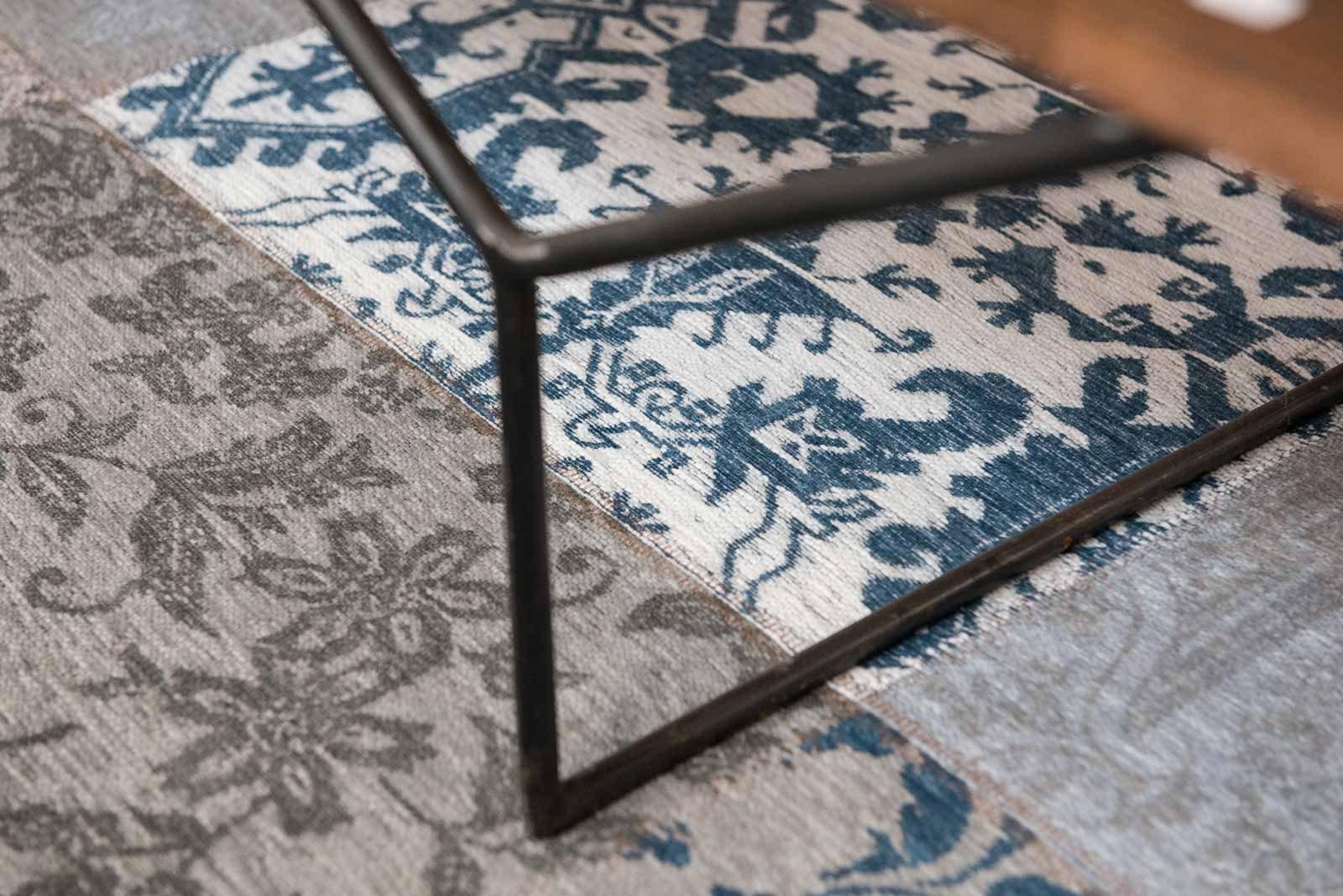 tapijt Louis De Poortere LX8981 Vintage Bruges Blue zoom 1