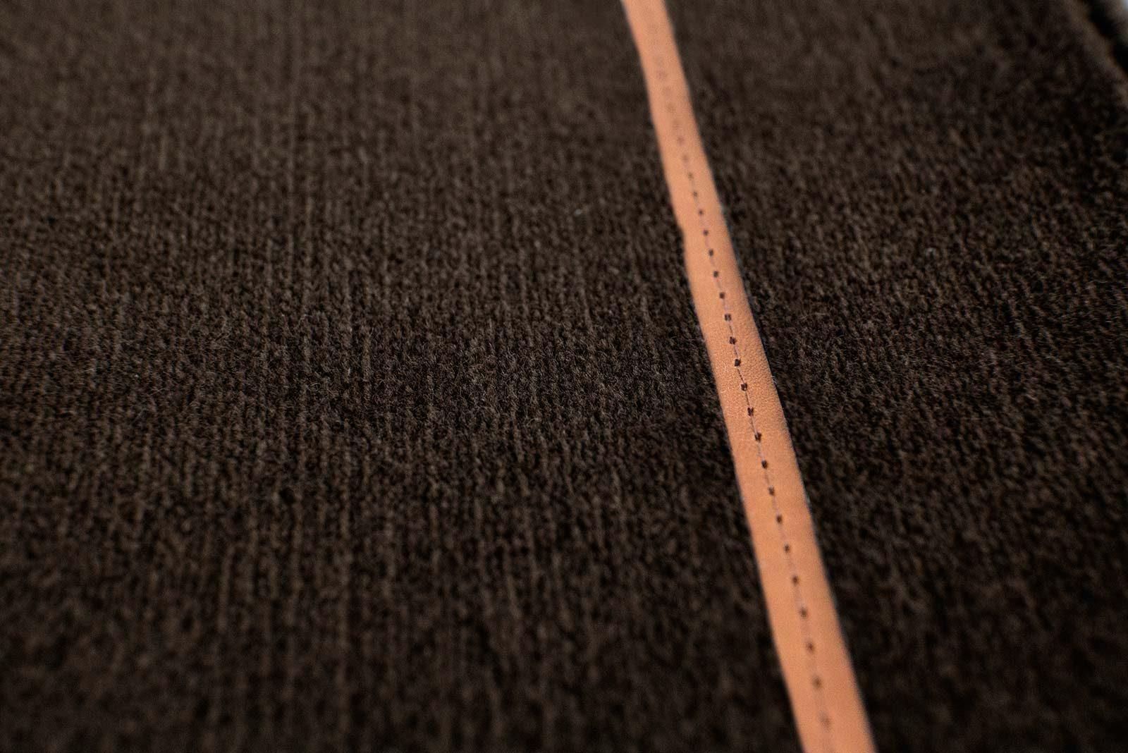 Louis De Poortere Wilton Tapijten W Leather Richelieu Velours RV3 9507 detail