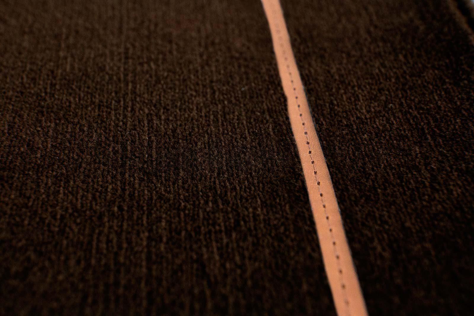 Louis De Poortere Wilton Tapijten W Leather Richelieu Velours RV3 9802 detail